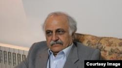 محمدحسین رفیعی، استاد بازنشسته دانشگاه تهران، به شش سال زندان محکوم شده است
