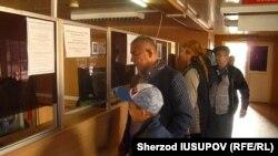 Пункт пропуска «Достук« на границе Узбекистана и Кыргызстана. Иллюстративное фото.
