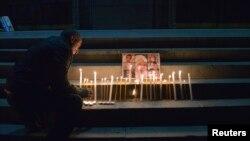 Церемония зажжения свечей в память об убитой семье Аветисян, Ереван, 20 января 2015 г.