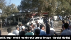 На место происшествия прибыли сотрудники правоохранительных органов Сурхандарьинской области. Фото предоставлено мобильным репортером «Озодлик».