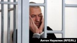 Украина азаматы Станислав Клыхтың сот залындағы суреті.