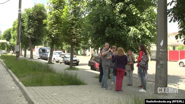 Місцеві мешканці проти забудови на місці зруйнованого театру