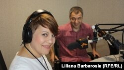 Liliana Barbăroșie și intervievatul ei Octavian Țîcu