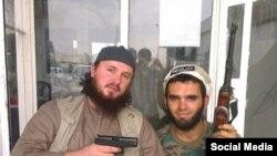 Foto iz ljeta 2014 Lavdrim Muhaxheri (lijevo) i Basri Sylejmani (desno)