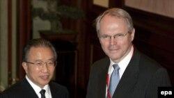 نماینده ارشد آمریکا در مذاکرات شش جانبه همراه با معاون وزیر خارجه چین