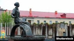 Пам'ятник Лесі Українці (1871–1913) у місті Ковелі Волинської області