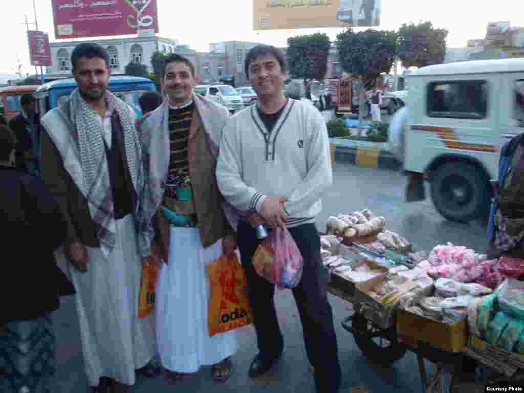 """Азыркы Йемендеги турмуш. Дүйшөн Шаматов жиберген сүрөттөрдөн. 4-сүрөт. - """"Азаттыктын"""" окурманы, илим доктору Дүйшөн Шаматов Йеменден """"Окурмандын кат куржунуна"""" жиберген сүрөттөр. 2011-жылдын 17-февралы. 4-сүрөт."""