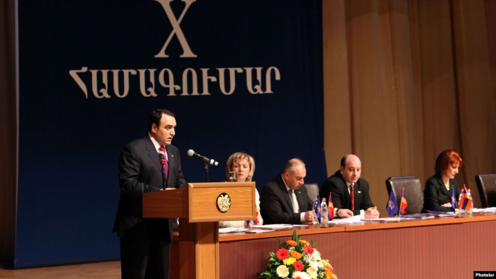 «Грапарак»: «Армянское возрождение» не принесло успеха «Оринац еркир»