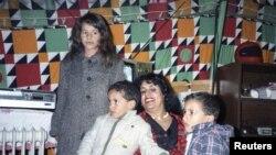 Сафія Кадафі зь дзецьмі, архіўнае фота.