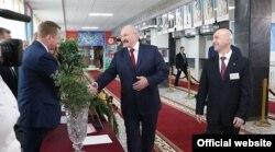 Аляксандар Лукашэнка на леташніх выбарах у мясцовыя саветы дэпутатаў