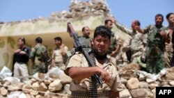 نیروهای پیشمرگه همراه ارتش عراق درگیر نبردهای زمینی با «حکومت اسلامی» در خاک عراق نیز هستند
