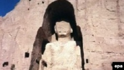 One of the Buddha statues in the Bamiyan Valley, before its destruction by the Taliban in May 2001.