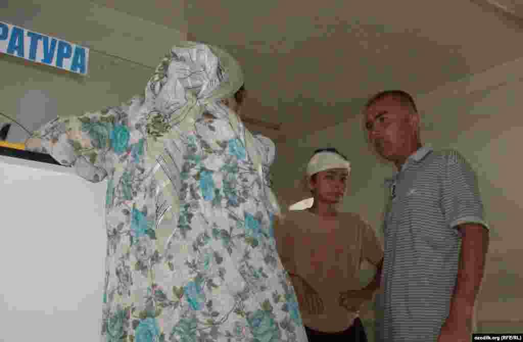 Өзбекстан: Риштан районунун тургундары жер титирөөдөн кийин
