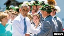 Германи --Баварерчу бахархошца ву Цхьаьнатоьхначу Штатийн президент Обама Барак а, Германин канцлер Меркел Ангела а, 6Ман2015