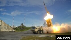 Test cu interceptori THAAD
