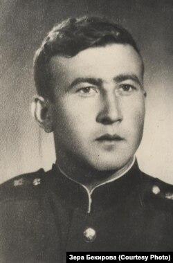 Сейдамет Меметов во время службы в армии. Архив Зеры Бекировой