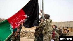 وزارت دفاعافغانستان گفته کهیکی از پایگاههای بزرگ نیروهای حمایت قاطع روز جمعه به این وزارت تحویل داده شد.