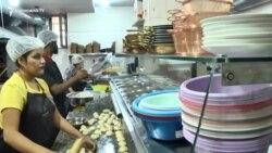 Հնդկական ռեստորանից՝ արցախցիների հասցեով. հնդիկ ընտանիքը կամավորագրվել է