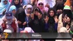 Morsi Supporters Hold Mass Prayers In Cairo