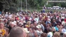 В Слов'янську величезні черги за гуманітарною допомогою
