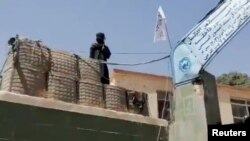 Талибаните превземат град след град в Афганистан