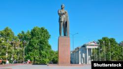 Пам'ятник Леніну на центральній площі Сімферополя