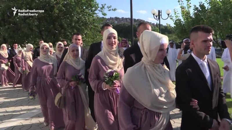 Sixty Couples Marry In Mass Islamic Wedding In Sarajevo