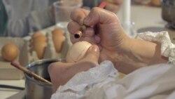 Kesica és forró viasz: tojásírás