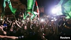 Хиляди палестинци отпразнуваха примирието по улиците в Газа