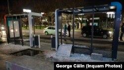 Protestatarii violenți din București au distrus patru stații STB.