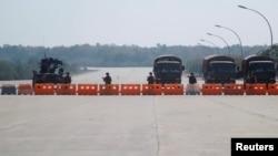 Katonai blokád Mianmarban, 2021. február 1.