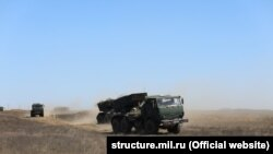 Навчання артилерійських підрозділів Чорноморського флоту Росії на полігоні Опук, Крим, вересень 2021 року