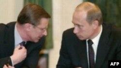"""По мнению эксперта, Сергею Иванову достались """"два самых провальных проекта - армия, которую не реформируют, и ВПК, которое при отсутствии денег возродиться не сможет"""""""