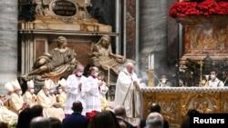 CHRISTMAS-SEASON/POPE-EVE
