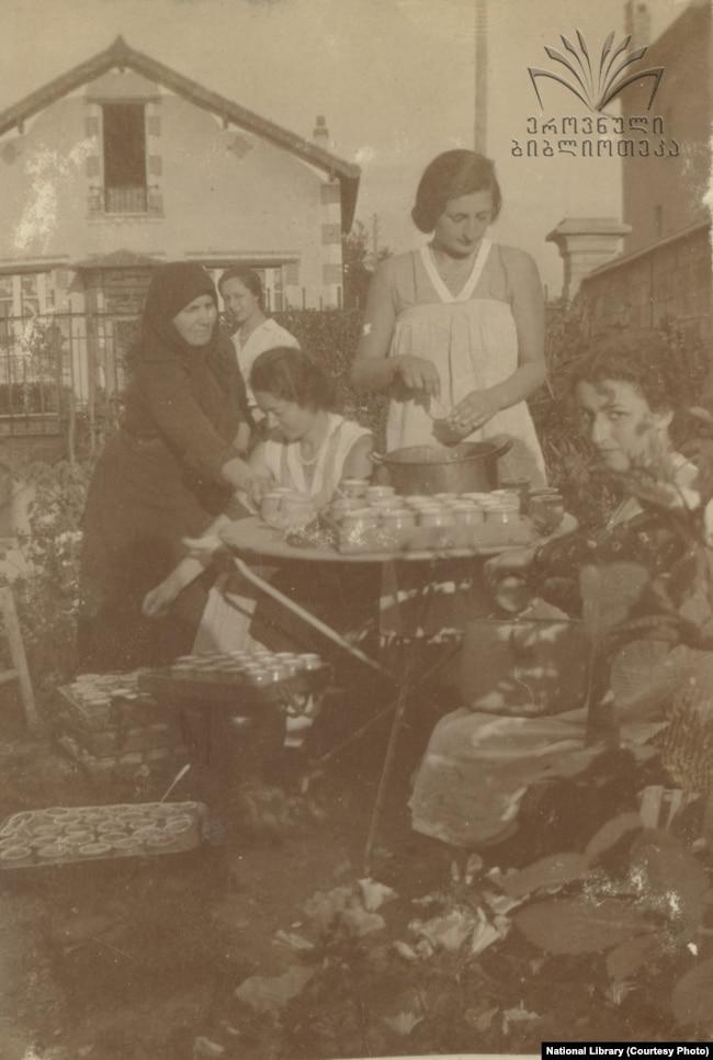 მაწვნის მზადება კვინიტაძეების ოჯახში