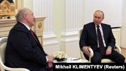 Alexandr Lukașenka și Vladimir Putin la Kremlin, Moscova, 22 aprile 2021.