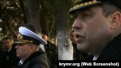 Сергей Гайдук (слева) и Денис Березовский (справа) в штабе ВМС ВСУ в Севастополе, 3 марта 2014 года