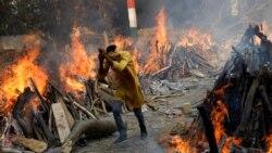 Үндістандағы ахуал әлі қиын. Науқастар аурухана сыртында өмірмен қоштасып жатыр