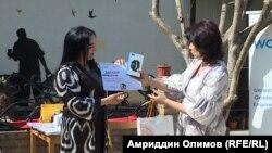 Премию Коалиции женщин-журналистов в сфере печати и интернета получила журналистка Джамиля Мирбозхонова