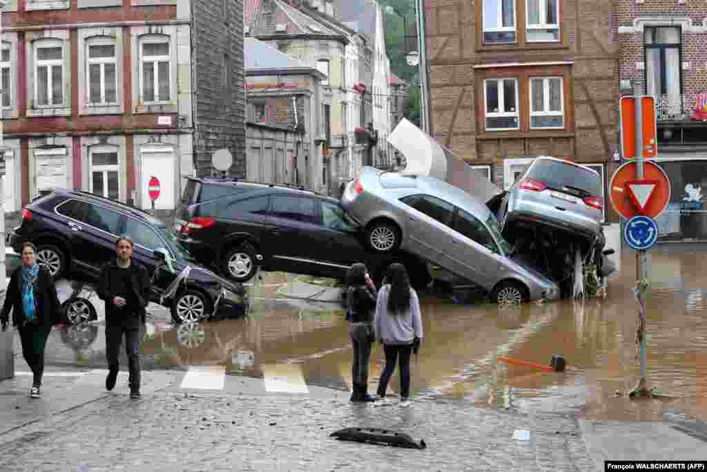 Кільцева розв'язка в бельгійському місті Верв'є після проливних дощів і повеней, що обрушилися на Західну Європу, 15 липня 2021 року