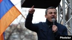 Armenia - Dashnaktsutyun's Ishkhan Saghatelian speaks at an anti-government rally in Yerevan, March 28, 2021.