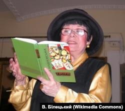 Емма Андієвська читає свої твори в Донецьку, 2011 рік