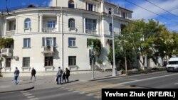 Незаконная надстройка на крыше, Севастополь