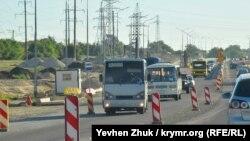 Транспорт на на строящемся участке трассы «Таврида» в Крыму