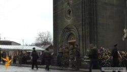 Գյումրիում կայացավ 3 զոհված զինծառայողների հոգեհանգստի կարգը