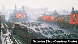 Etalarea militarismului sovietic în Piața Roșie