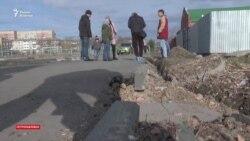 Разбитый асфальт на улице Назарбаева