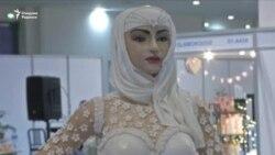 В ОАЭ испекли торт за миллион долларов в форме арабской невесты
