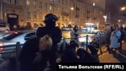 Задержания и избиения на Звенигородской улице
