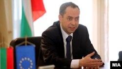 Бугарскиот амбасадор во Македонија, Ангел Ангелов